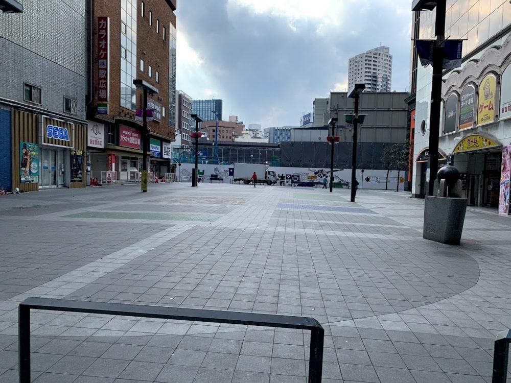 4月10日 シネシティ広場