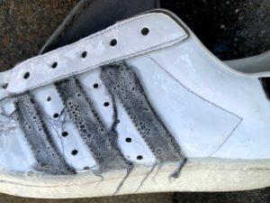 ウタマロでスニーカーを洗浄