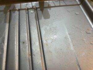 水切りカゴを掃除