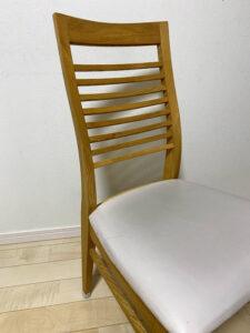 椅子の、黒ズミ汚れを掃除