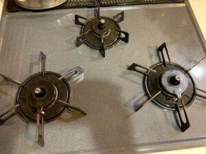 オキシ漬けで換気扇とガスレンジを掃除